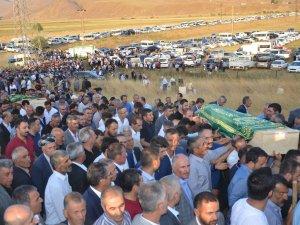 Kaza'da hayatını kaybedenler toprağa verildi