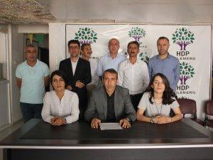 HDP Demirtaş ve Önder'e verilen cezayı kınadı