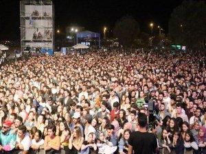 Gençlik festivaline ilk gününde 20 bin kişi katıldı