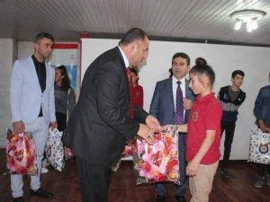 """Hakkari'de """"Okul destek projesi"""" programı düzenlendi"""