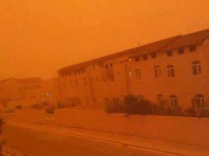 Irak'ta toz fırtınası binlerce kişiyi hastanelik etti