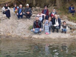Engelliler Şemdinli Nehri'yi ziyaret etti
