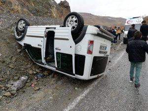 Hakkari-Van karayolunda kaza: 5 yaralı!