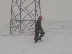 Hakkari VEDAŞI'ın karla zorlu mücadelesi