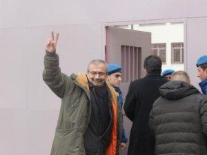 HDP'li eski vekil Sırrı Süreyya Önder tutuklandı