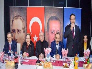 Ak Parti Milletvekilleri kanaat önderleri ile bir araya geldi