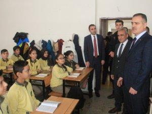 Hakkari'de 70 bin 674 öğrenci ders başı yaptı