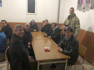 Mahsur kalan vatandaşları asker misafir etti
