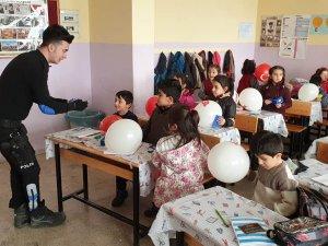 Öğrenciler zararlı alışkanlıklar hakkında bilgilendirildi