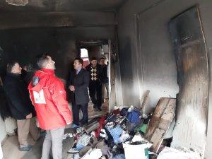 Hakkari Kızılay evi yanan Dalga ailesine sahip çıktı
