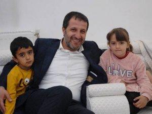 Başkan Gür'e Şemdinli'de sevgi seli...
