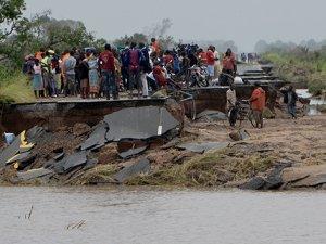 Kasırga nedeniyle ölü sayısının 200'ü aştığını söyledi.