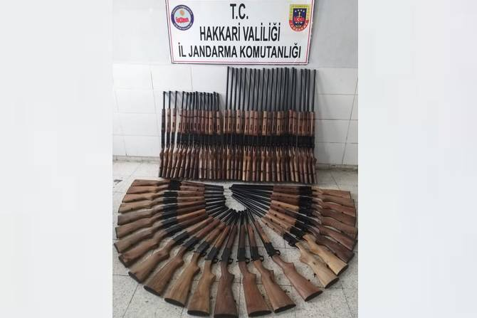 Yüksekova'da 60 adet av tüfeği ele geçirildi
