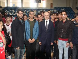 Hakkari'de 35 spor kulübüne malzeme dağıtım yapıldı