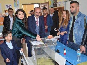 HDP'nin Eş Başkan adayı Karaman oyunu kullandı