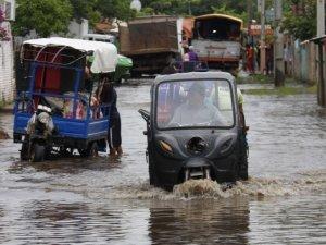 Sel felaketi: 20 bin kişi etkilendi