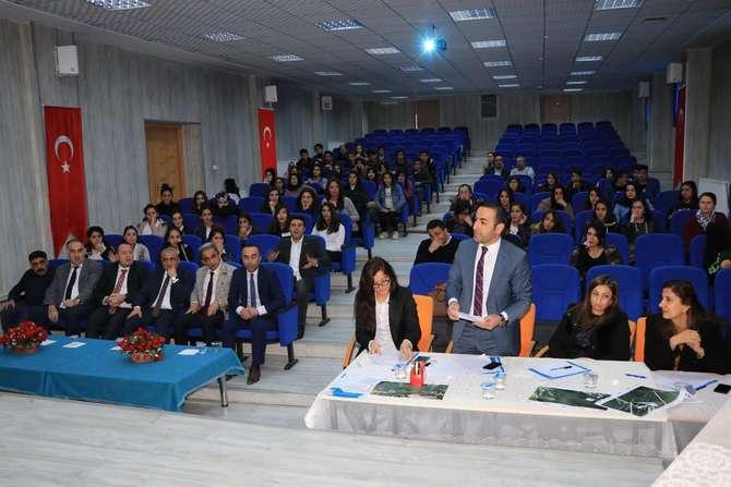 Okullar arası münazara yarışması düzenlendi