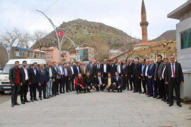 Ak Parti heyeti sınırda ziyaretlerde bulundu