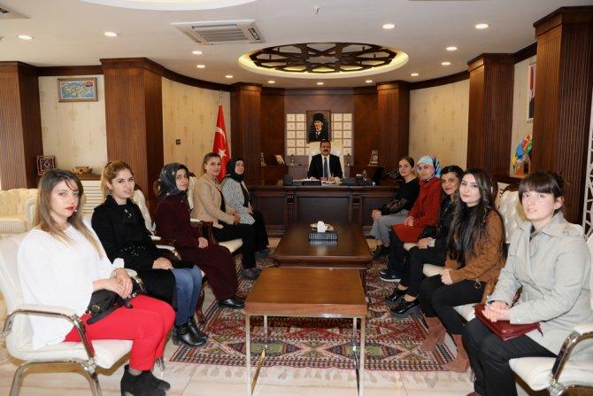 Halk eğitim personelinden Vali Akbıyık'a ziyaret