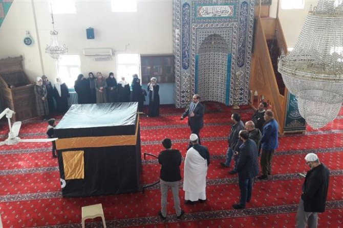 Hakkari'de Umre semineri verildi