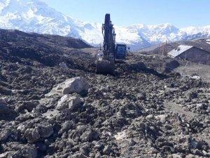 Kıran Mahallesinin ana su şebekesi kırıldı
