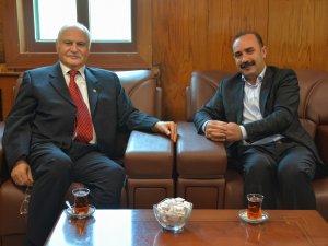 Eski Vekil Parlak'tan Başkan Karaman'a ziyaret