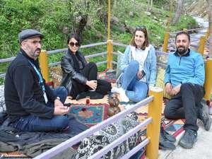 Şemdinli'de sıcaklar arttı: Piknik alanları doldu
