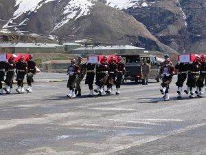 Şehit olan 3 asker için tören düzenlendi