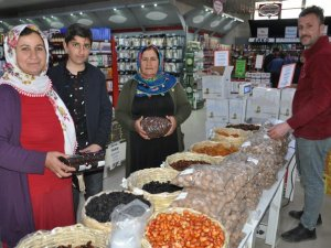 Yüksekova'da Ramazan yoğunluğu