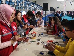 Hakkari'de Deneyap Sınavına 600 öğrenci katıldı