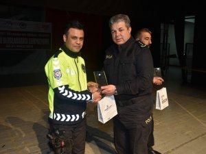 Hakkari'de Karayolu Trafik Haftası kutlandı