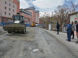 Eşbaşkan Karaman, yol çalışmalarını denetledi