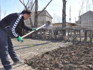 Yüksekov'da toprağa tohumlar atılmaya başlandı