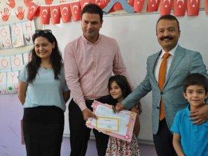 Yüksekova'da karne dağıtım töreni