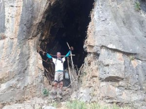 Sıdık Tepe mağarasını gezerek keşif yaptılar