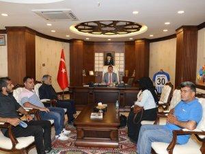 Şehit olan işçi aileleri Vali Akbıyık'ı ziyaret etti
