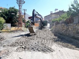 Belediye asfalt çalışmalarına başladı...