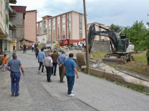 Dağgöl Mahallesindeki Virajlı Dar Yol Genişletildi