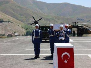 Şehit Teğmen Dolunay için Hakkari'de tören düzelendi