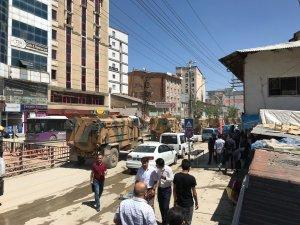 Yüksekova'dan sınıra askeri sevkıyat