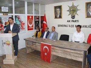 Başkan Gür Şemdinli'de ziyaretlerde bulundu