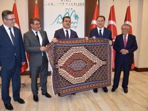 Kamu Başdenetçisi Malkoç ziyaretlerde bulundu...