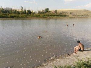 Nehre giren çocuklardan 3'ü hayatını kaybetti