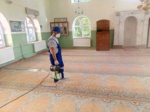 Hakkari'de camiler ve parklar dezenfekte edildi