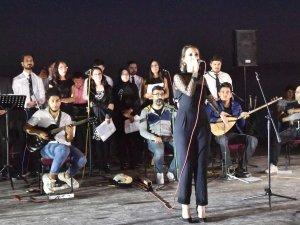 'Ahlat Şiirleri ve Türküleri' gecesi