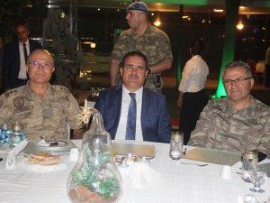 Valilikten Tümgeneral Tokel Paşaya veda yemeği