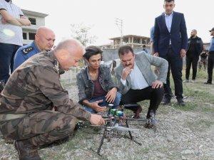 Vali Akbıyı, drone yapan genci ziyaret etti