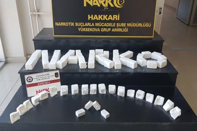 Yüksekova'da 11 kilo, 266 gram eroin ele geçirildi