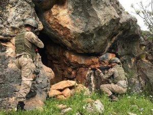 Arazide gömülü silah ele geçirildi