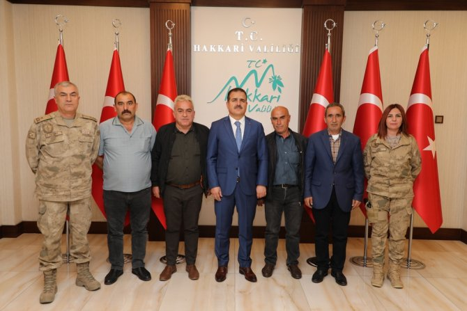 Şehit ailelerinden Vali Akbıyık'a ziyaret